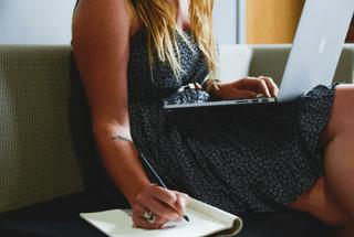 Ganar dinero escribiendo, redactando o con post patrocinados